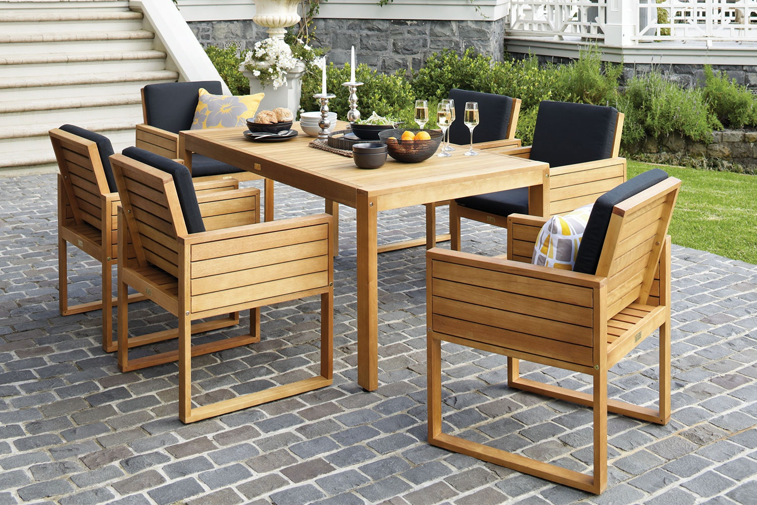 Vanuatu 7 Piece Outdoor Dining Setting