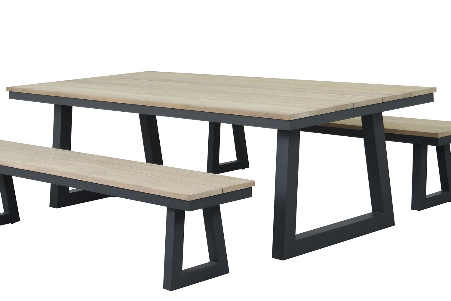 Sonar Outdoor Dining Table
