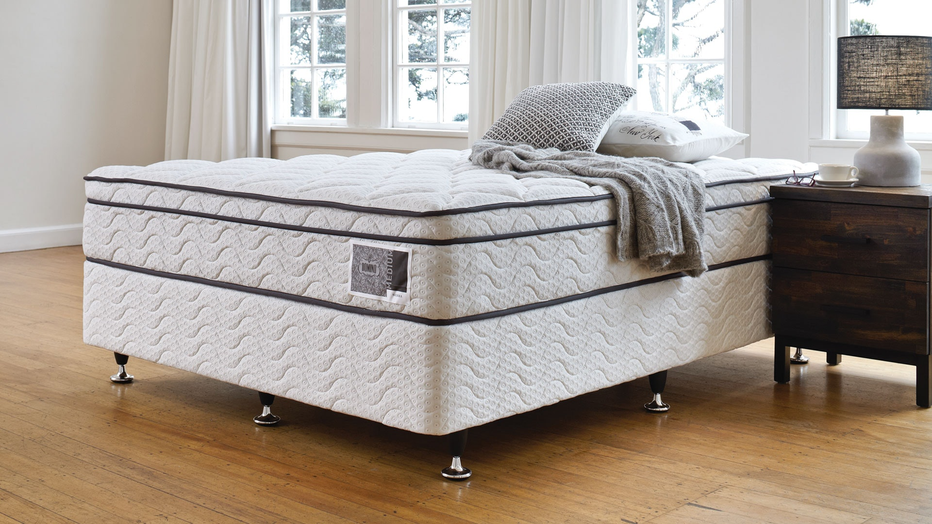 Sierra Support Queen Bed by A.H. Beard