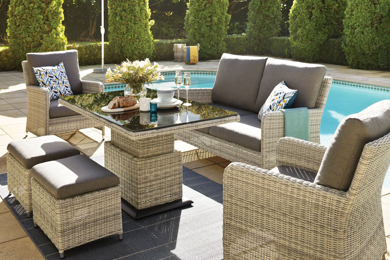 Norfolk 6 Piece Outdoor Lounge Dining Setting