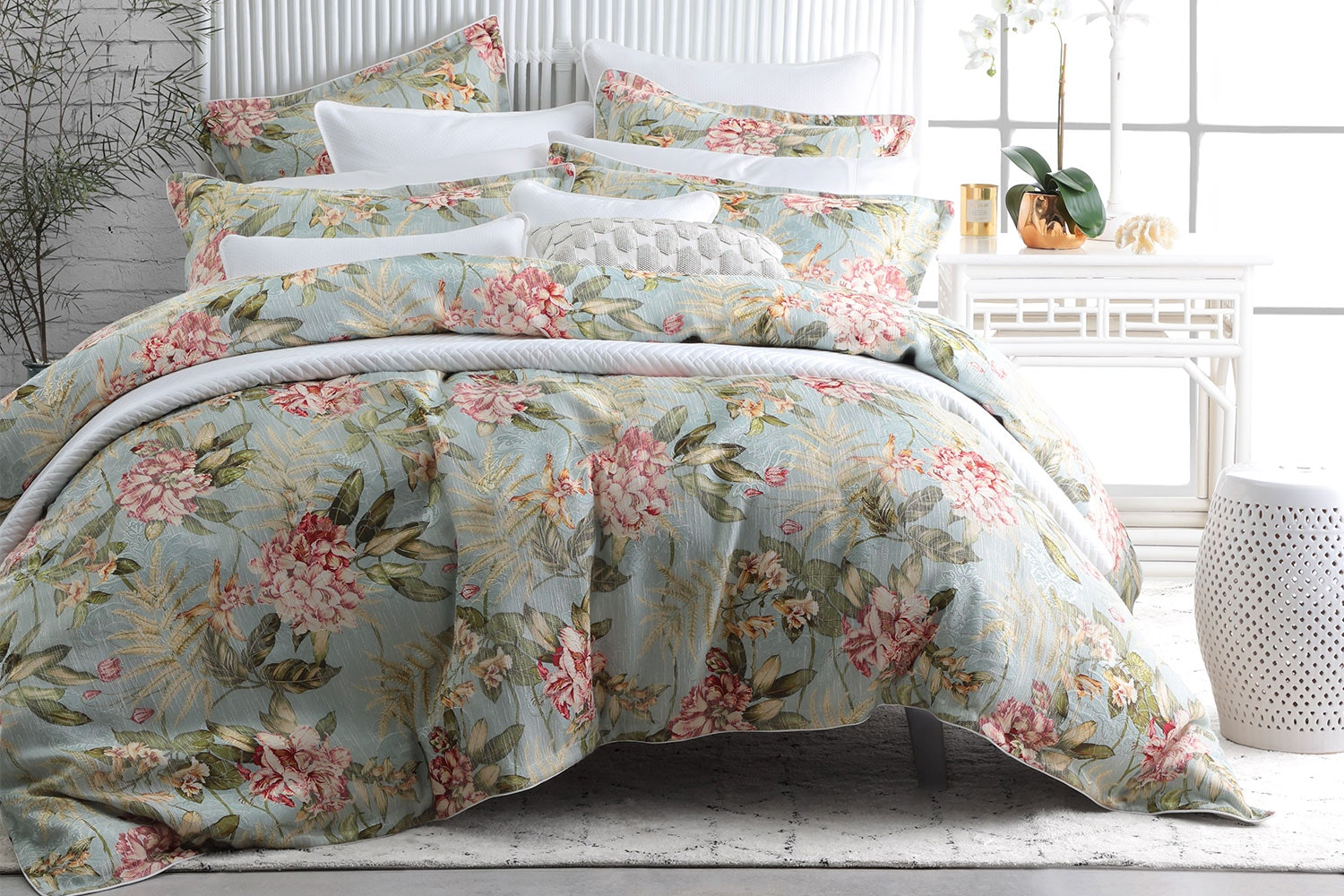 Leura Mist Duvet Cover Set by Private Collection