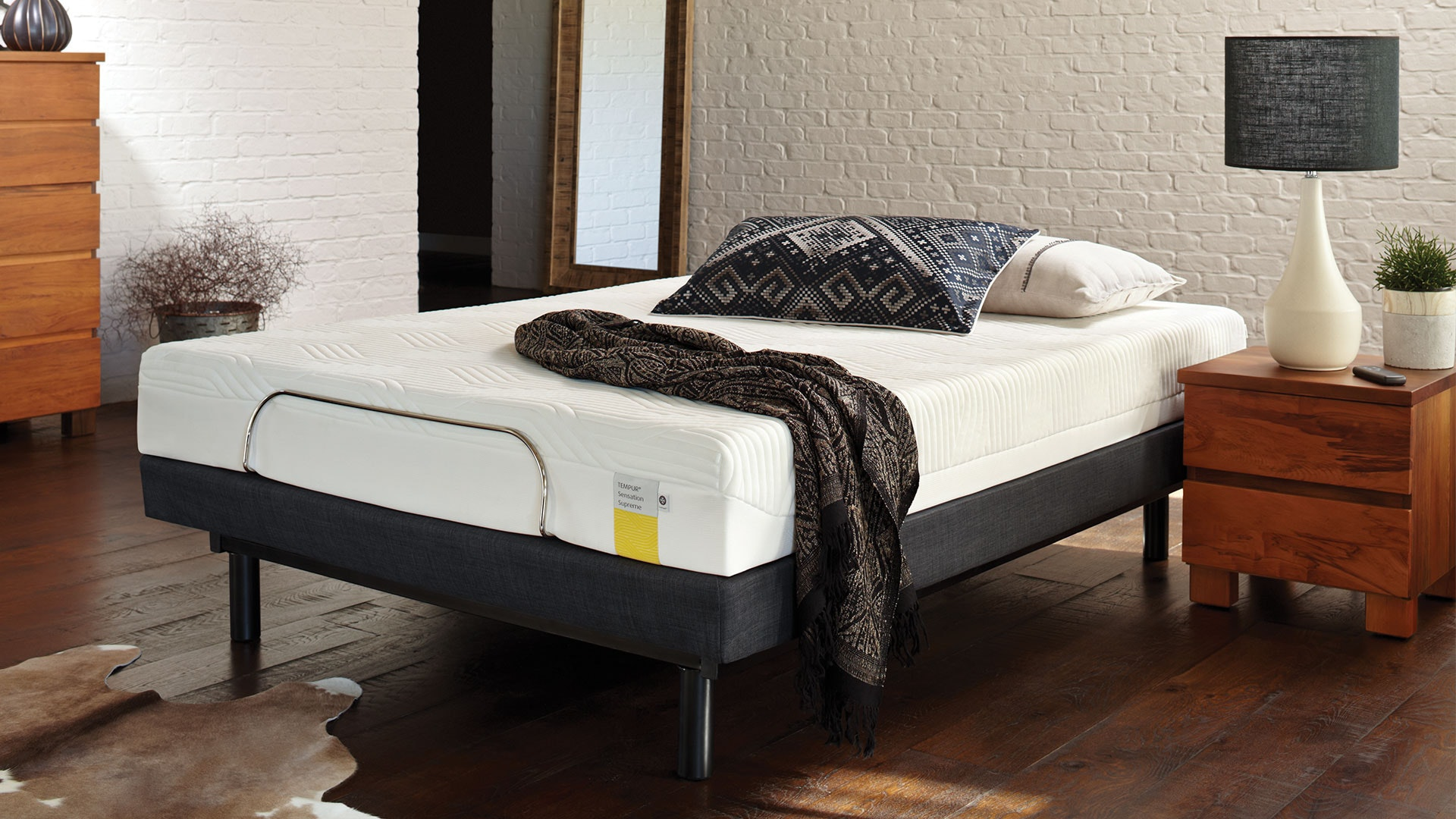 Luna Supreme Queen Mattress by Tempur