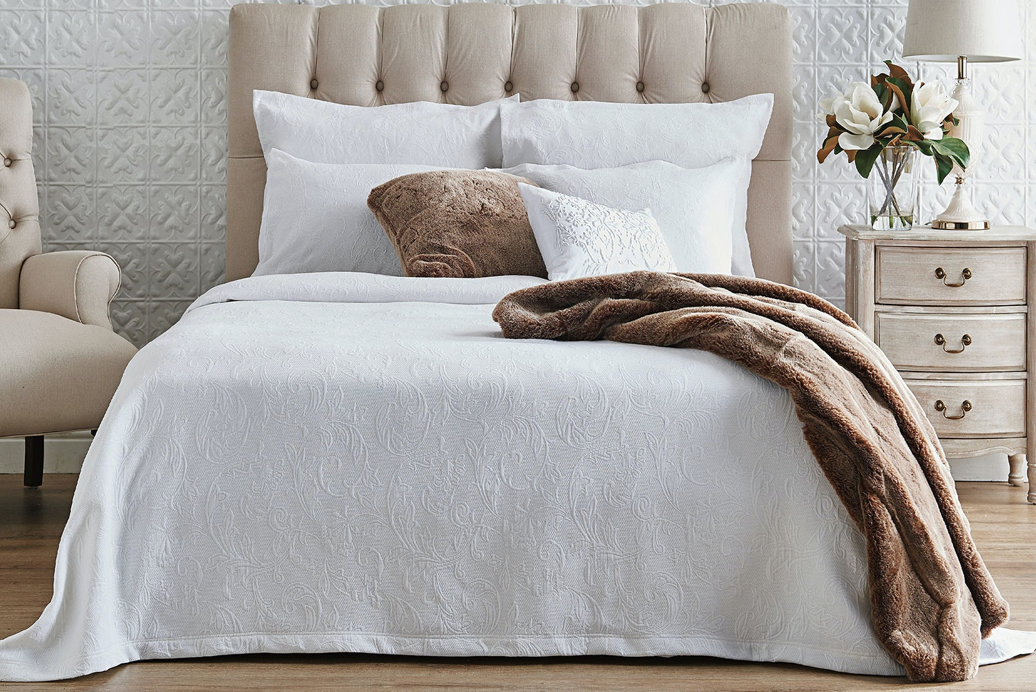 Antique Marcella Queen Bedspread by L'Avenue