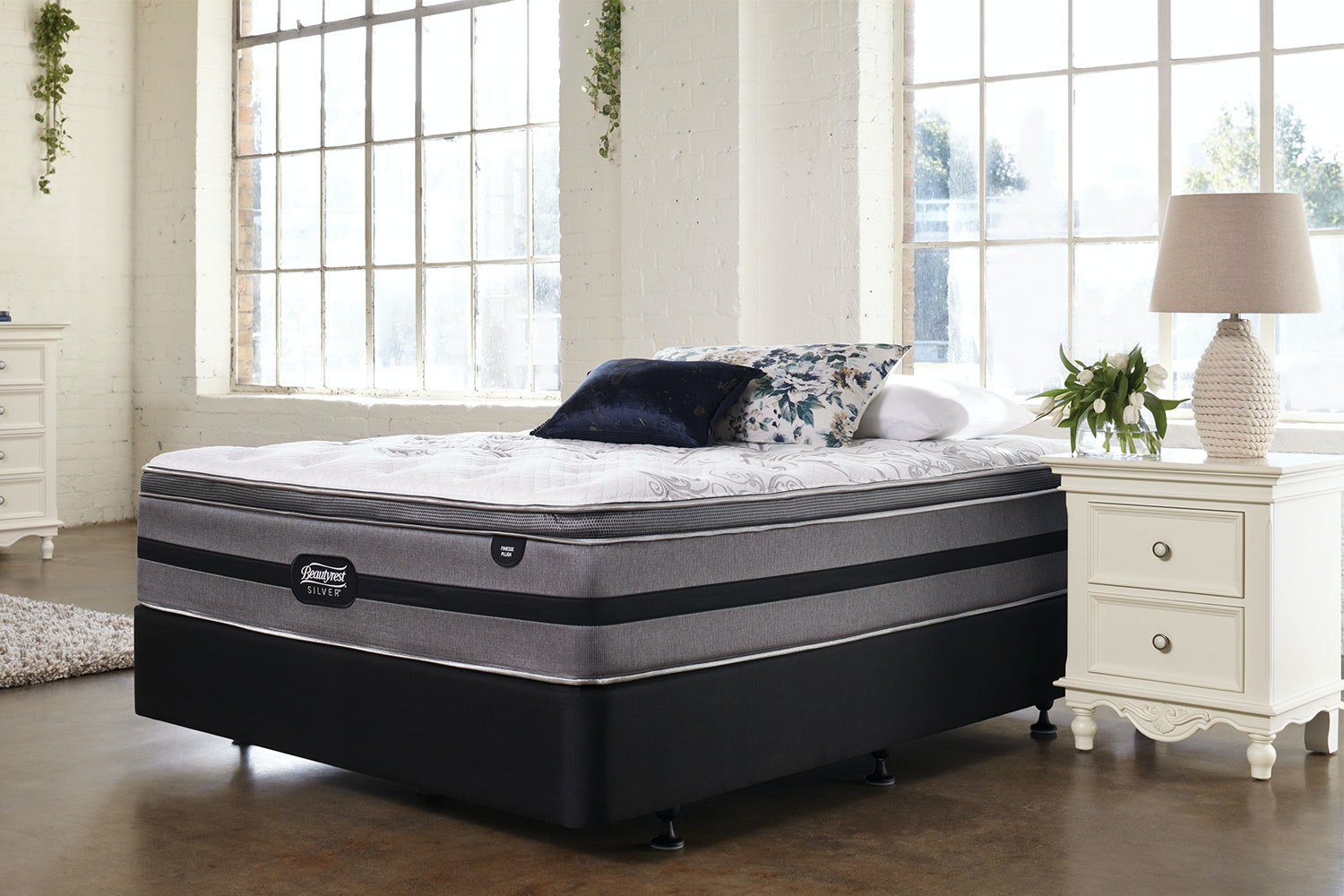Finesse Plush Queen Bed by Beautyrest