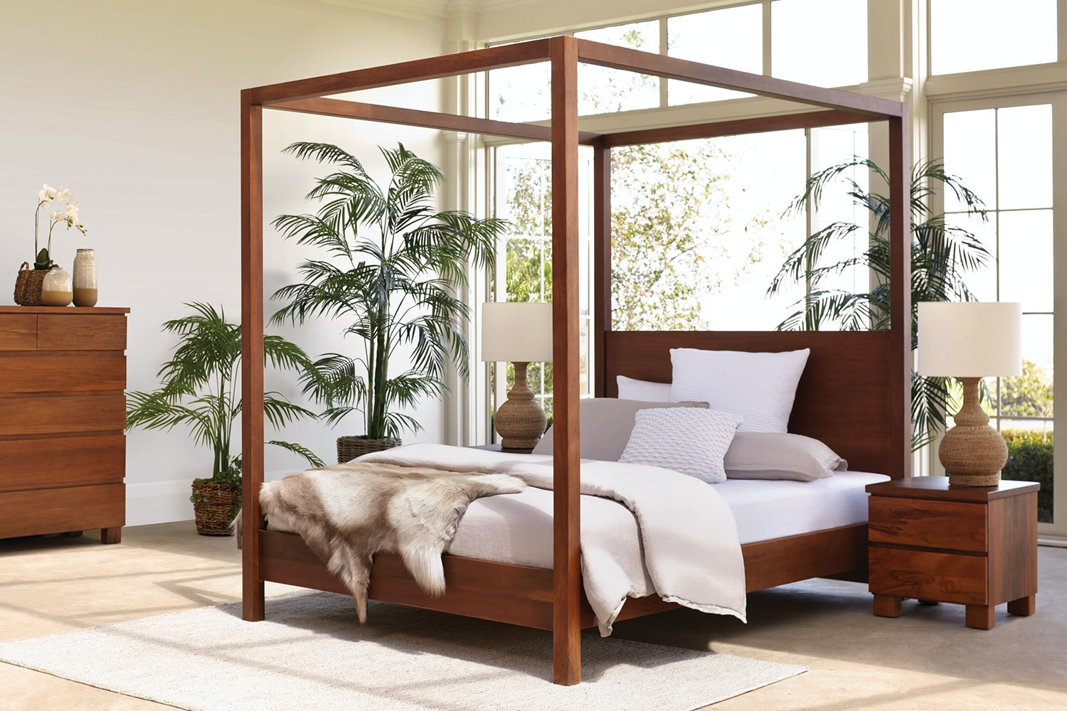 Picture of: Riverwood 4 Poster Queen Bed Frame By Sorensen Furniture Harvey Norman New Zealand