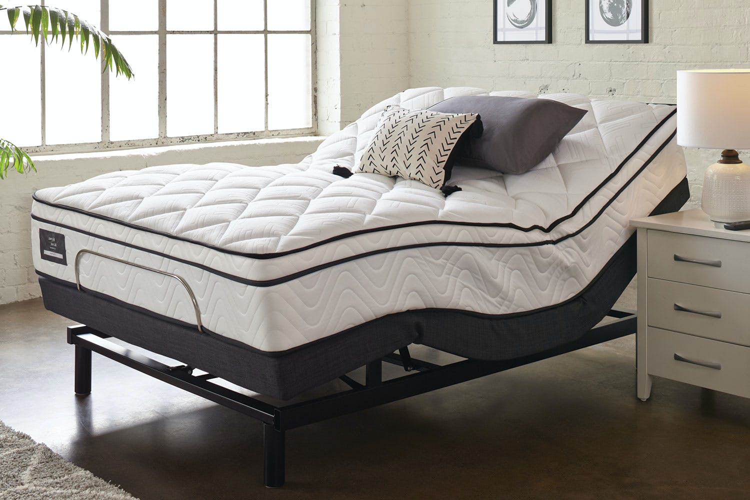 Admirable King Koil Viva Plush Queen Mattress With Lifestyle Adjustable Base By Tempur Lamtechconsult Wood Chair Design Ideas Lamtechconsultcom