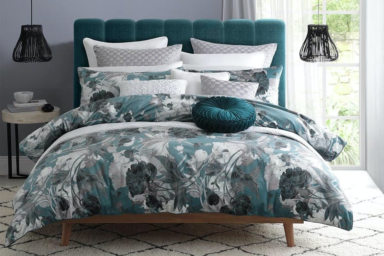 Cyra Emerald Duvet Cover Set by Private Collection